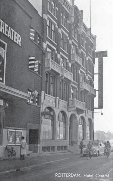 Hotel Central aan de Kruiskade